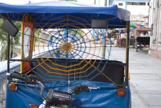 Iquitos a GO GO - Moto-Taxi Tours